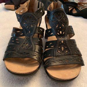 """Earth Origins 2"""" wedge heels Brown/Black Sandals."""